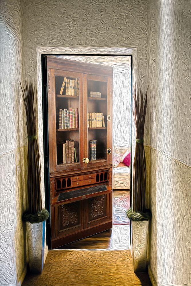 Наклейка на дверь - Секретер