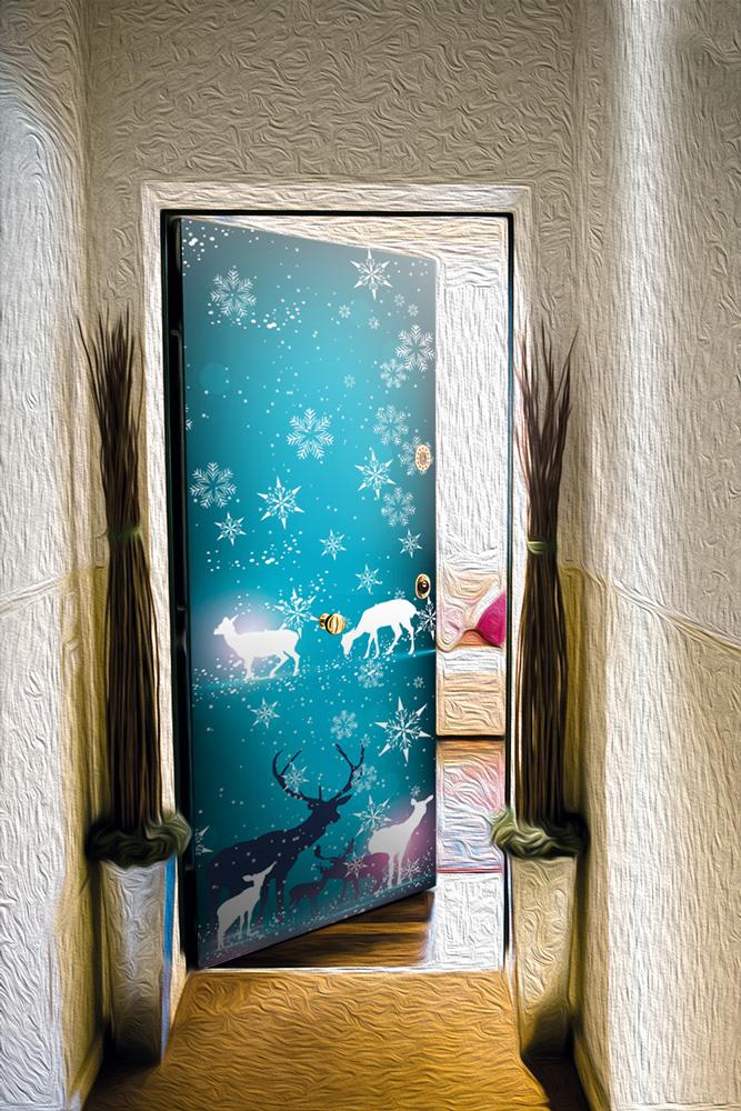 Виниловая наклейка на дверь - Северное сияние