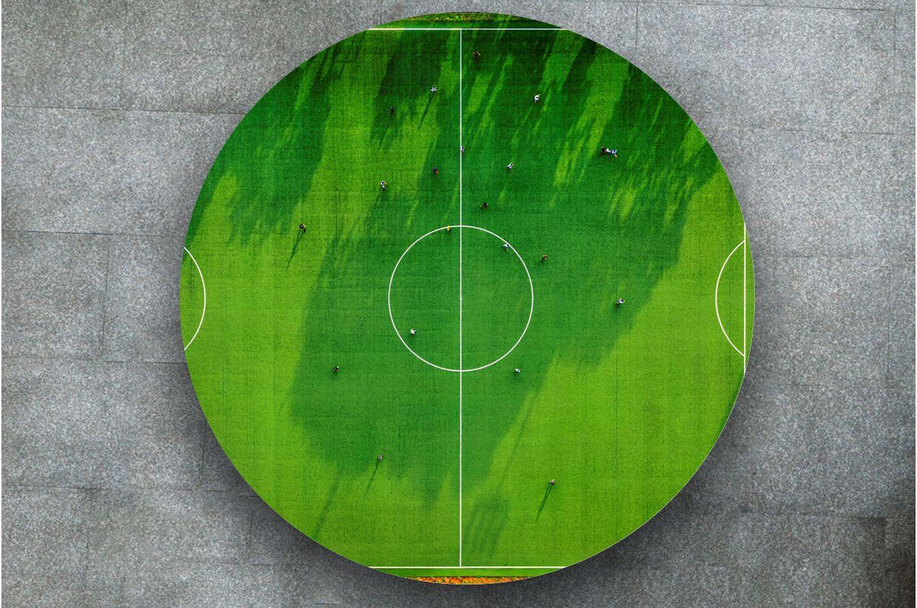 Наклейка на стол - Футбол | Купить фотопечать на стол в магазине Интерьерные наклейки